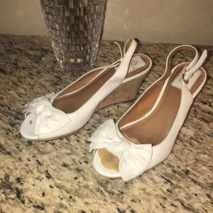 Clark's Bendables White Wedges Sz 8.5 w/ Bow